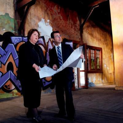 Lynda Dorrington Form And Frank Marra Landcorp Viewing Refurbishment Plans For The Goods Shed